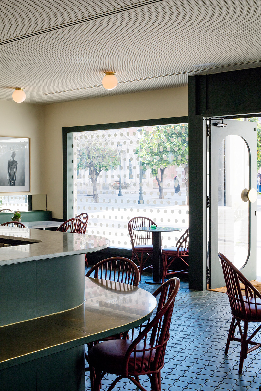 expormim-furniture-handcrafted-contract-restaurant-mar-de-avellanas-03