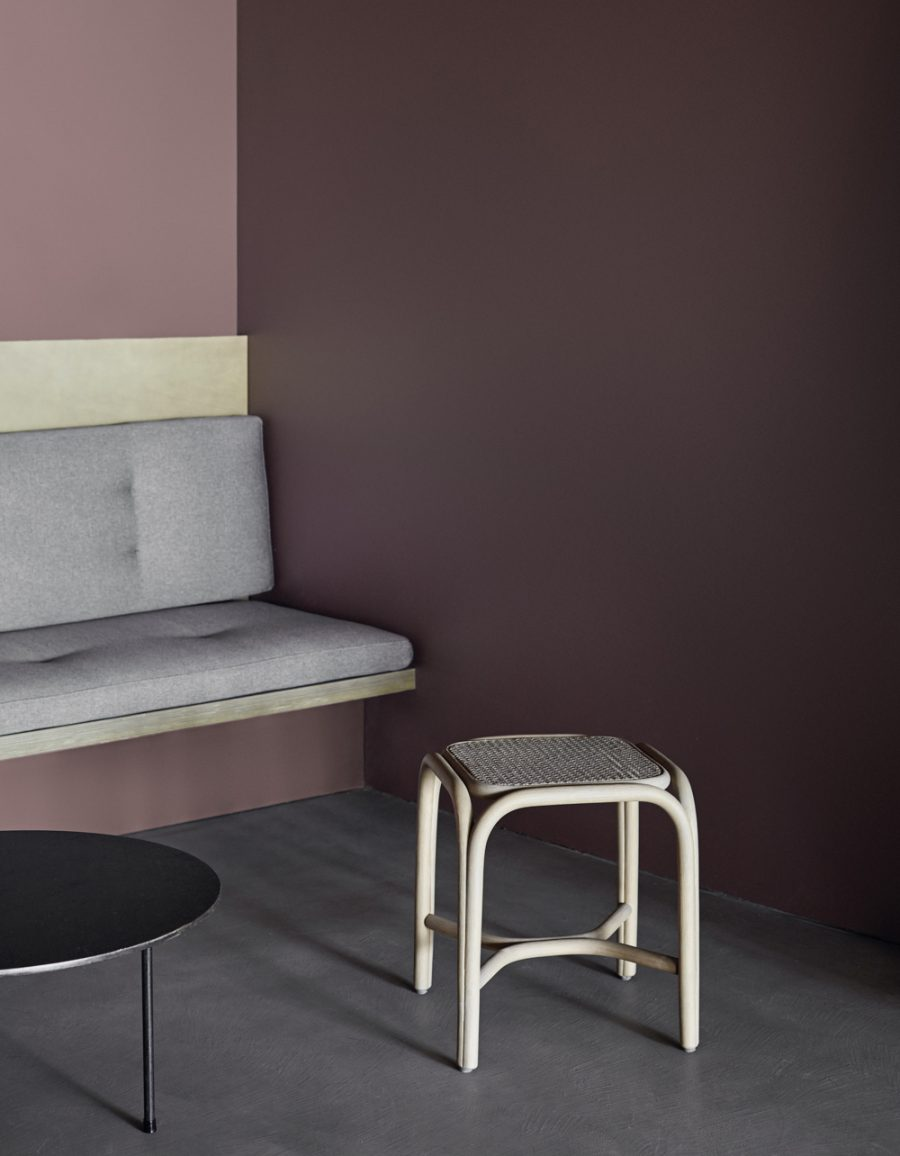 expormim-furniture-indoor-fontal-low-barstool-02