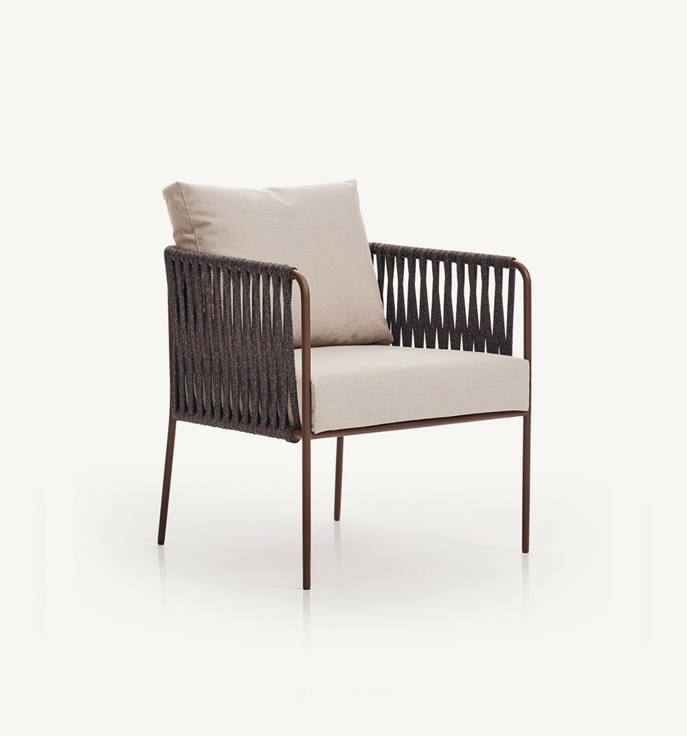 Nido low armchair