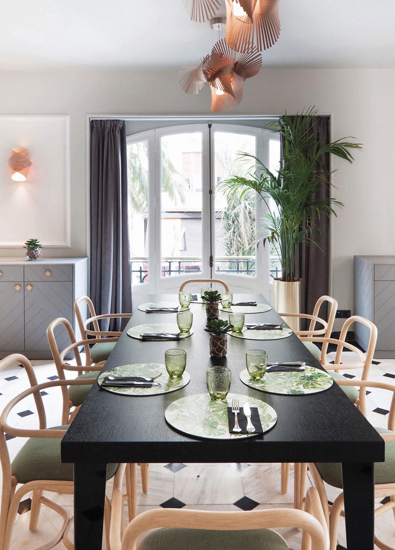 expormim-furniture-handcrafted-contract-hotel-reina-victoria-02