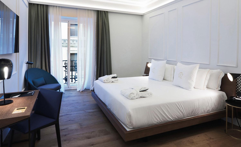 expormim-furniture-handcrafted-contract-hotel-reina-victoria-05