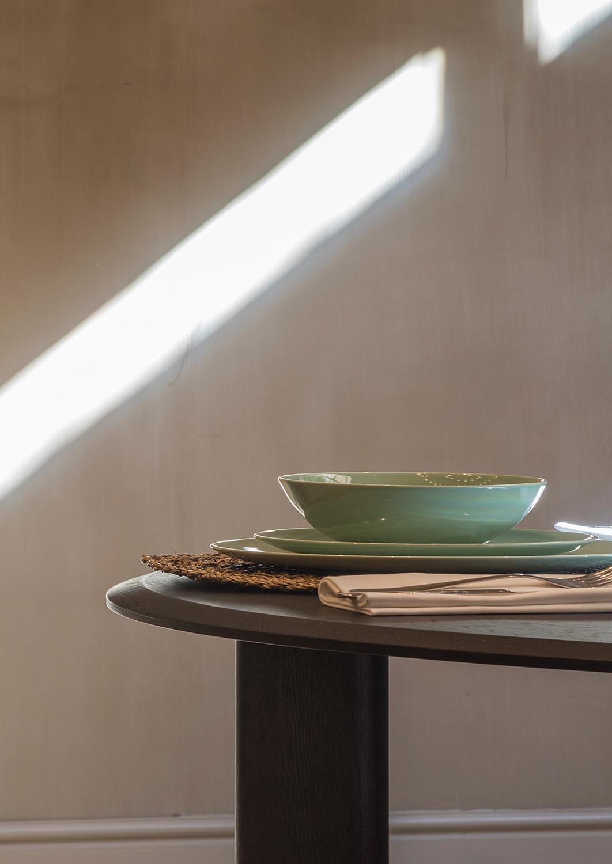 Kotai dining table