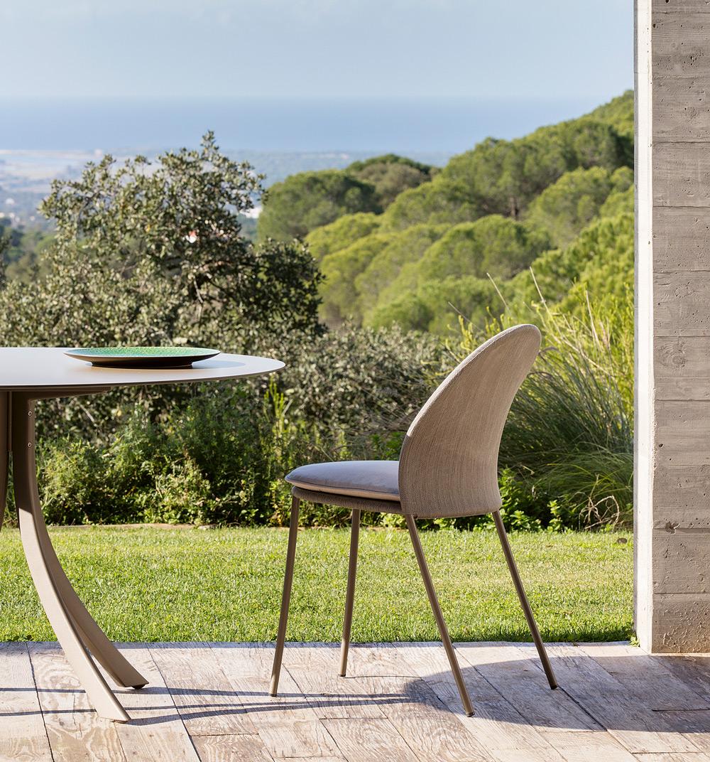 falcata-outdoor-dining-table-lievore-altherr-molina-expormim-furniture-outdoor-07