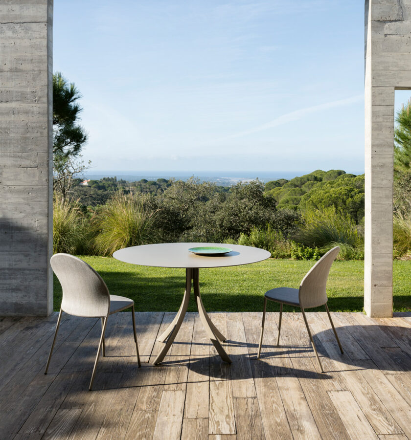 falcata-outdoor-dining-table-lievore-altherr-molina-expormim-furniture-outdoor-08
