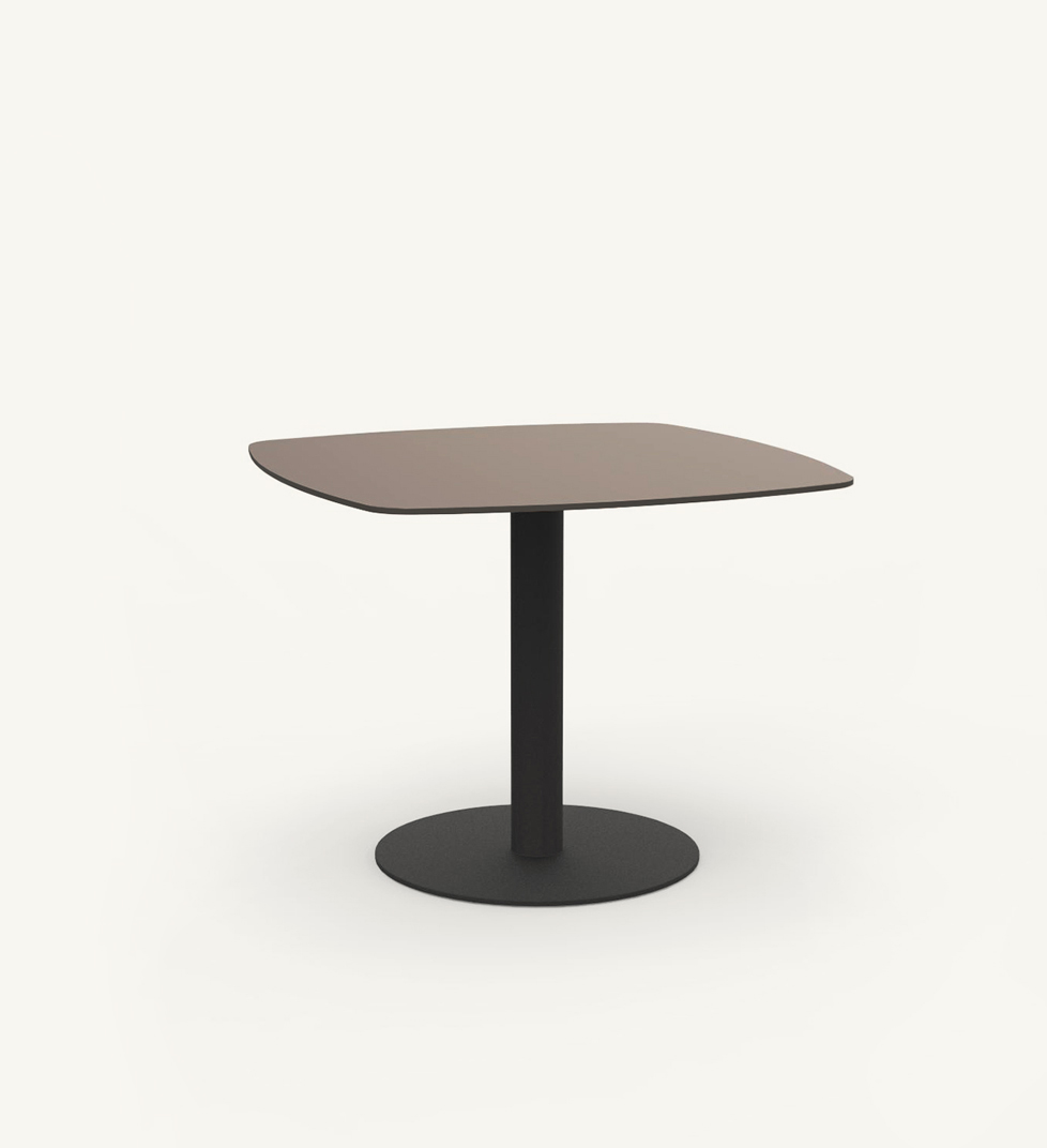 Flamingo outdoor dining table
