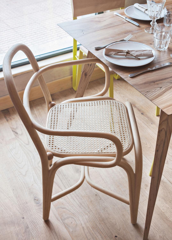 furniture-handcrafted-contract-restaurant-estado-mama-campo-04_W