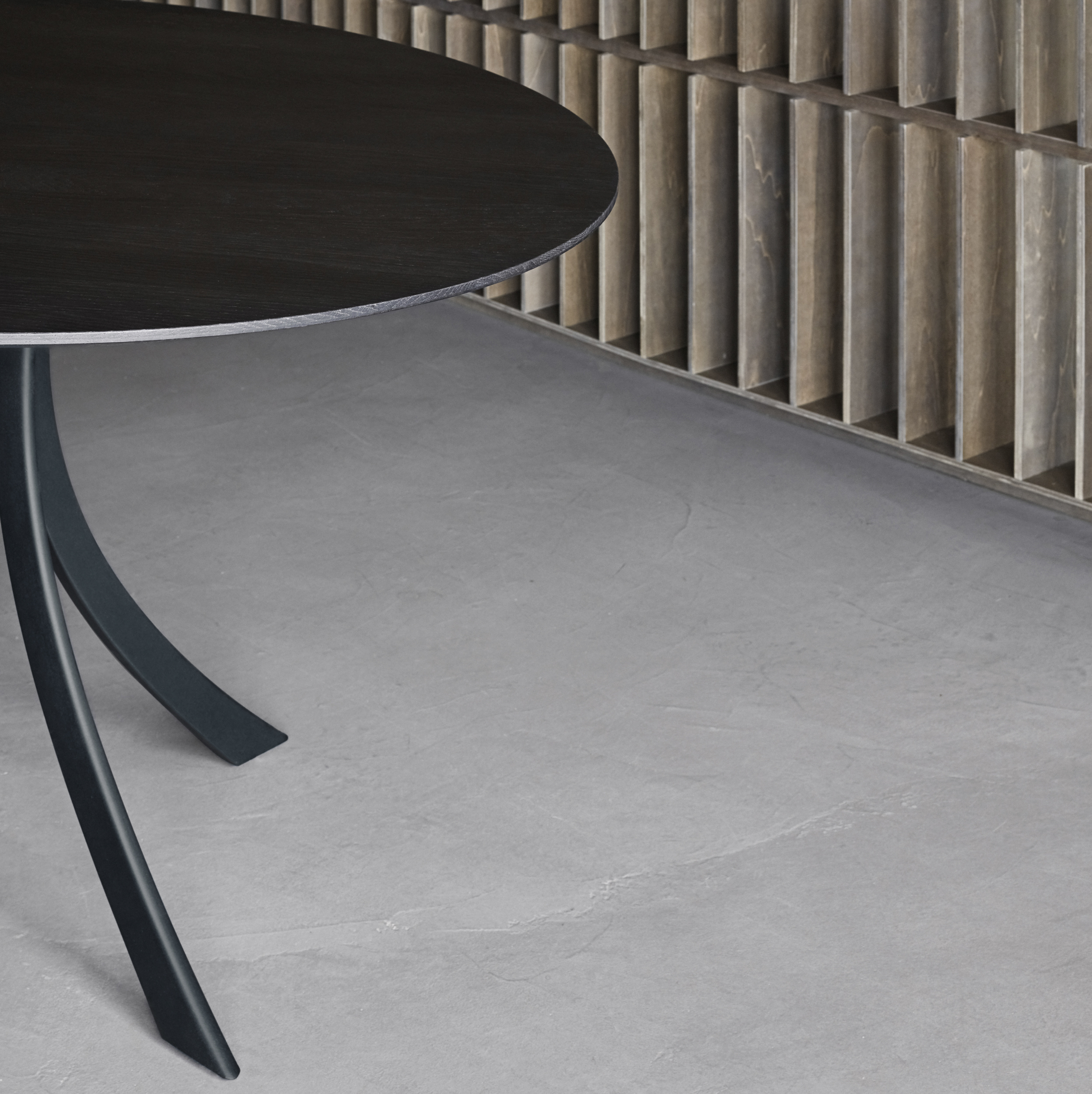 expormim-furniture-falcata-indoor-round-dining-table