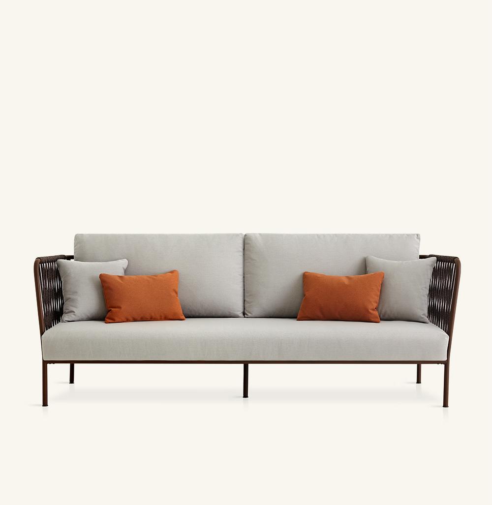 Nido XL hand-woven sofa