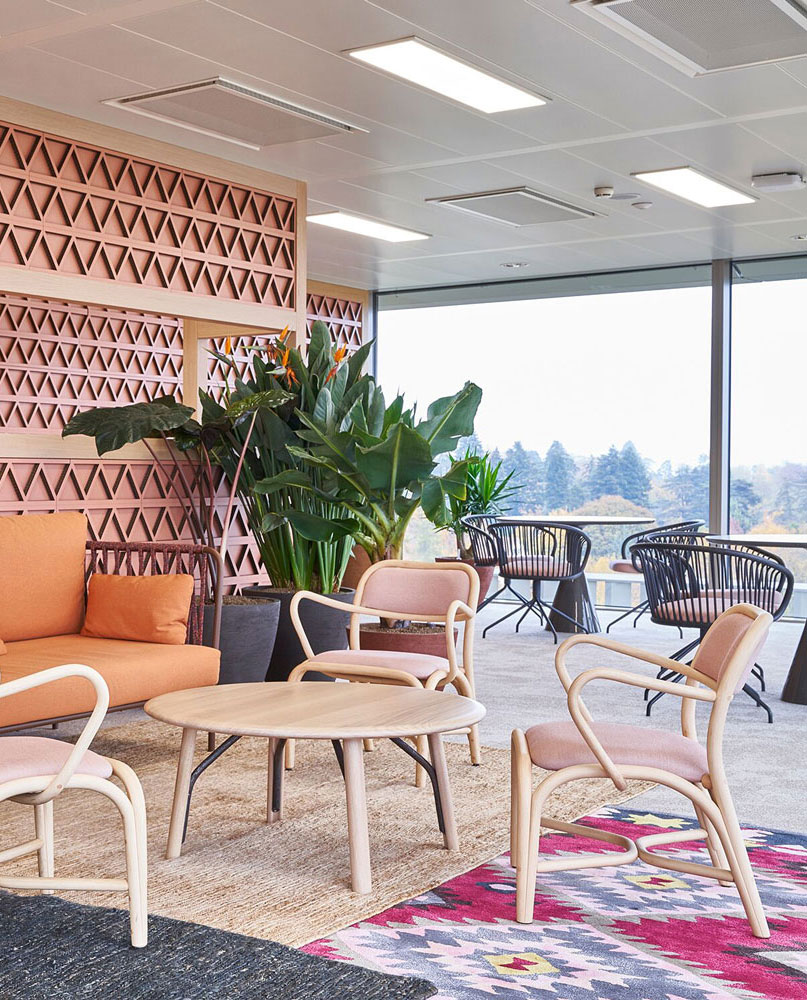 Expormim-Switzerland-Gavi-Oficinas-Fontal-upholstered-armchair-T012C_modif
