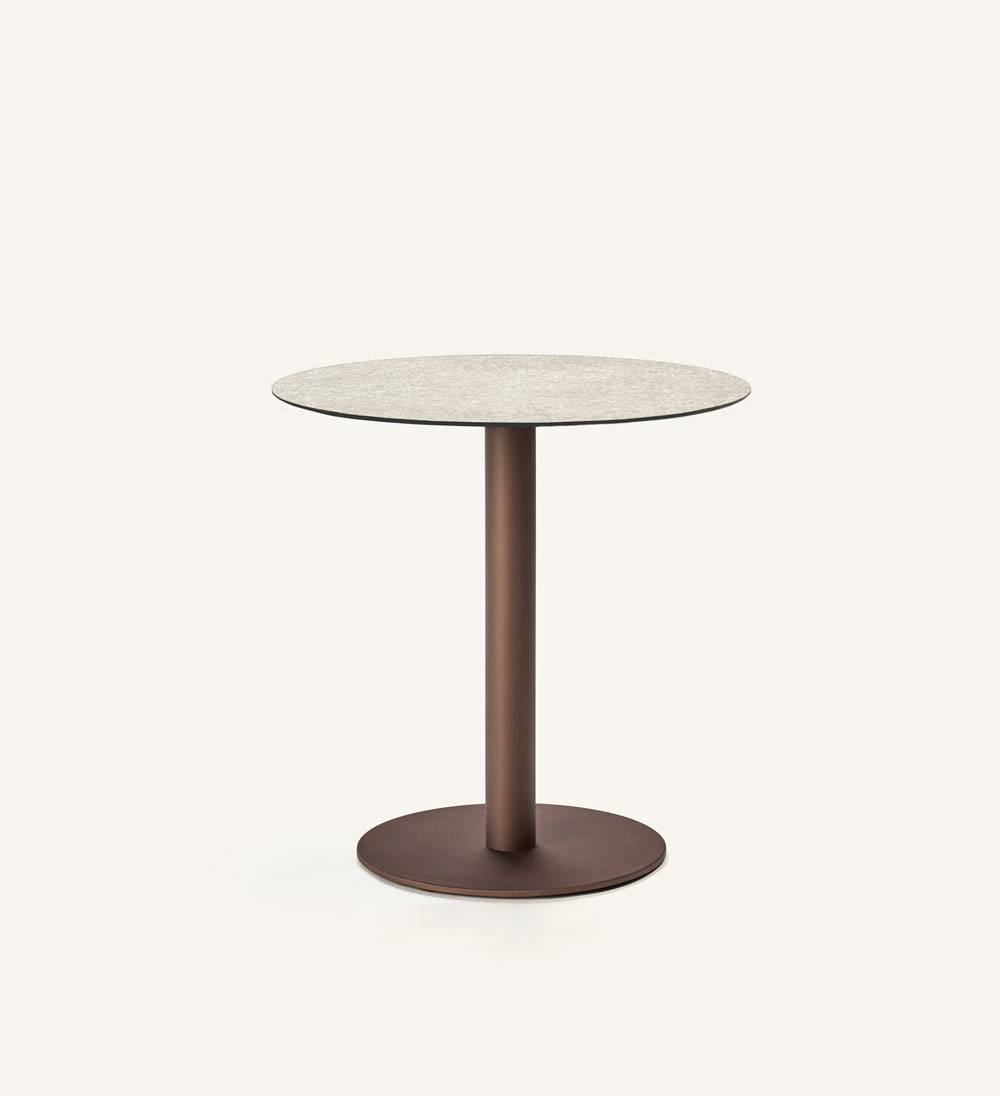 Flamingo outdoor round dining table