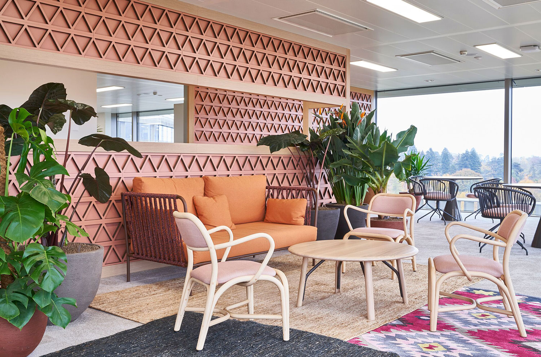 Expormim-Switzerland-Gavi-Oficinas-Fontal-upholstered-armchair-T012C