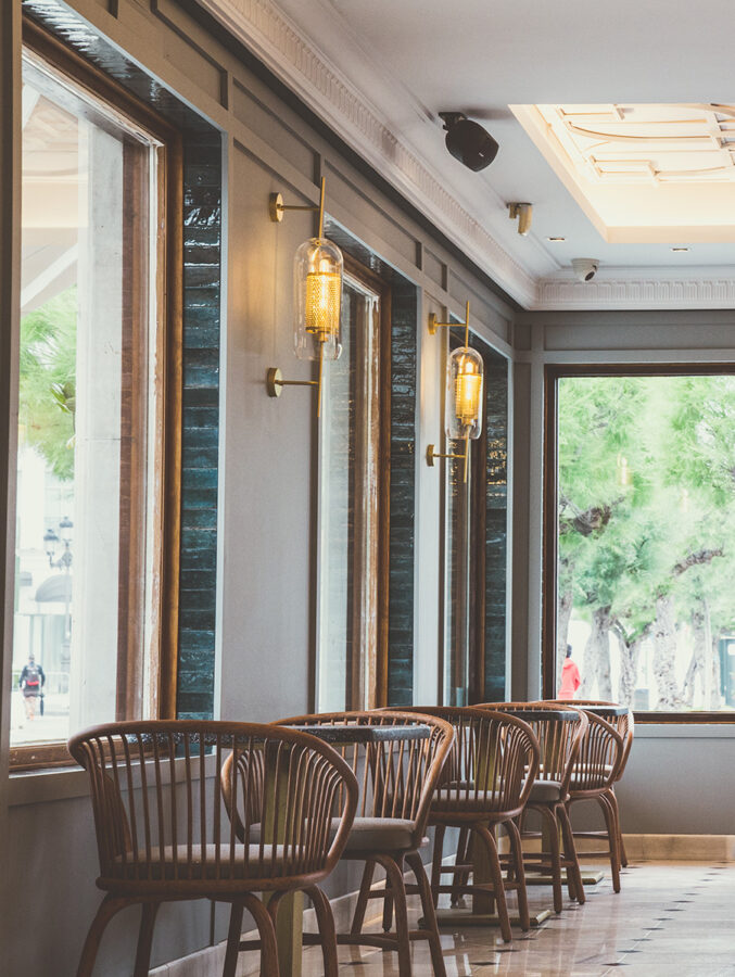 Expormim-Spain-Santander-Restaurante-Maremondo-Gres-low-barstool-T087-(03)