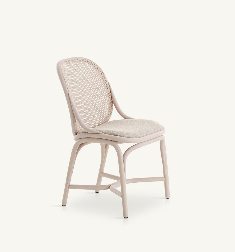 Framesupholstered dining chair